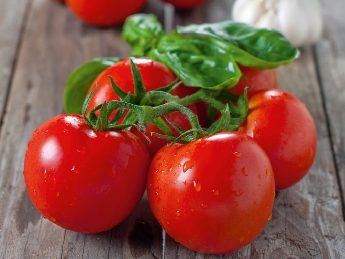 """Плоды томата """"Красная шапочка"""""""